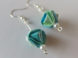 Gradation Colors Origami Green/Blue/White Ball Earrings