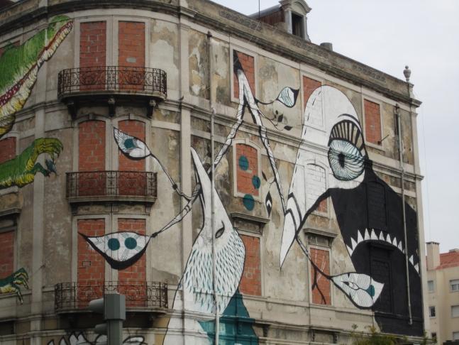Bird mural, Lucy Mclauchlan, graffiti, Av. Fontes Pereira de Melo.